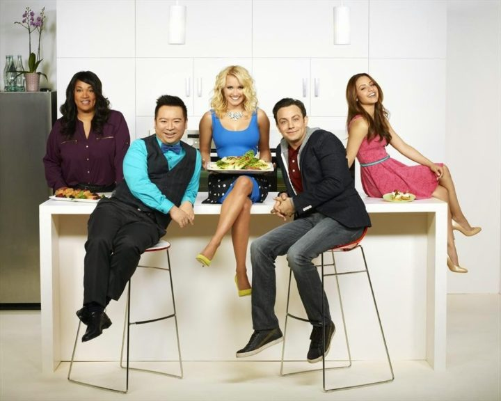 "YOUNG & HUNGRY - ABC Family's ""Young & Hungry"" stars Kym Whitley as Yolanda, Rex Lee as Elliot Park, Emily Osment as Gabi Diamond, Jonathan Sadowski as Josh Kaminski and Aimee Carrero as Sofia Rodriguez. (ABC FAMILY/Bob D'Amico)"